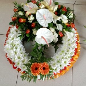 round shaped wreaths