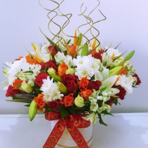 Bouquet_in_a_hat_box