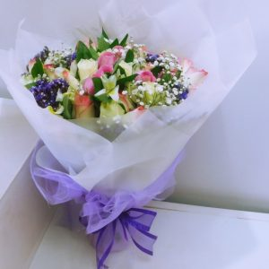 Hand_held_bouquet
