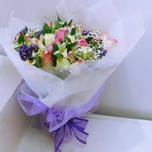 Hand_held_bouquet