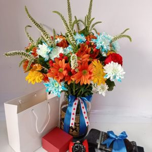 vase and gift hampers
